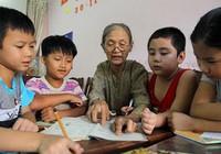 Vợ chồng giáo viên hơn 20 năm dạy miễn phí cho học sinh nghèo