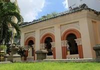 Choáng ngợp trước khu mộ cổ của vợ chồng bá hộ giàu nhất Sài Gòn xưa