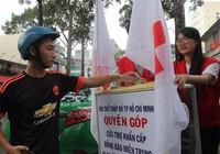 Ấm lòng người Sài Gòn quyên góp ủng hộ miền Trung
