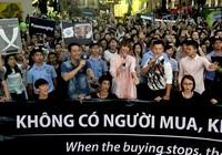 MC Phan Anh cạo đầu cam kết bảo vệ động vật hoang dã