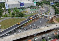 2 cầu vượt giải cứu kẹt xe Tân Sơn Nhất sắp thông xe