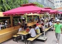 Phố hàng rong thứ hai ở Sài Gòn bán đắt như 'tôm tươi'