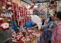 'Chợ' Noel sầm uất trong nhà thờ Kỳ Đồng