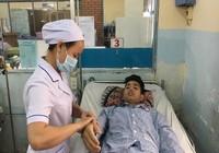 Can thiệp nội mạch cứu bệnh nhân sốt xuất huyết nặng