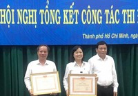 TAND TP.HCM nhận bằng khen của chánh án TAND Tối cao