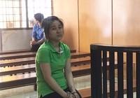 Nữ 9X bị bắt quả tang trộm Iphone của du khách