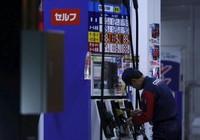 Giá dầu còn 30 USD/thùng, giảm sâu nhất trong 12 năm