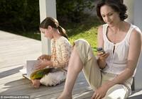 Cha mẹ 'chơi' Facebook giúp tăng trách nhiệm gia đình?