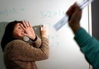 Gần nửa số giáo viên ở Anh từng bị học sinh đánh