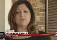 Cô giáo mất việc vì lưu ảnh nhạy cảm trong điện thoại