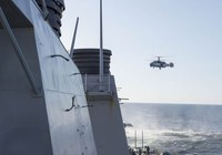 Máy bay chiến đấu Nga áp sát tàu chiến Mỹ