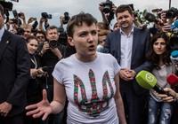 Nga trao trả nữ phi công Ukraine, đổi lại tù binh Nga