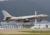 Trung Quốc phát triển máy bay ném bom tầm xa mới