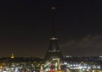 Tháp Eiffel tắt điện vì Aleppo