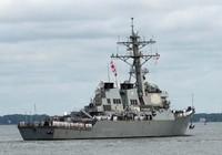 Tàu Mỹ bắn tàu Iran ở eo biển Hormuz