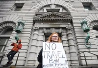 Tòa phúc thẩm quyết ngưng lệnh cấm của ông Trump