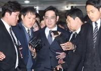 Lãnh đạo bị bắt, Samsung gặp sóng gió