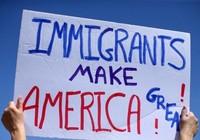 Chống lệnh nhập cư, hàng loạt bang Mỹ bị dọa cắt tiền
