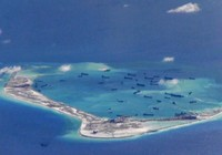 Tàu chiến TQ cảnh cáo tàu chiến Mỹ áp sát đảo nhân tạo