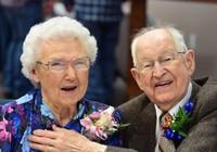 Cặp đôi cưới 75 năm trùng tên siêu bão Harvey-Irma