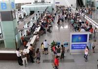 Đi máy bay,hành khách 'dím' tài sản người khác đánh rơi