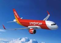 Hàng loạt chuyến bay bị hủy, hoãn do bão số 4