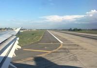 Máy bay chậm chuyến vì chó xâm nhập đường băng