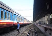 Đường sắt hủy nhiều chuyến tàu vì bão số 12