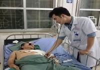 Cứu người bệnh bị tai nạn phổi lộ ra ngoài lồng ngực