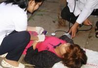 5 bước sơ cứu nạn nhân bất tỉnh do chen lấn, chờ đợi