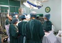 4 bệnh viện phối hợp cứu sản phụ vỡ tử cung