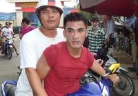 'Hiệp sĩ' đấu với 6 tên trộm để bắt nghi can trộm xe máy