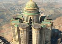 Có gì ở khách sạn 'khủng' nhất thế giới?