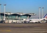 Dọa có bom ở sân bay để hoãn chuyến bay của bạn gái