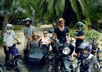 Gia đình Angelina Jolie - Brad Pitt và những khoảnh khắc ngọt ngào
