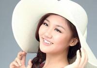 Ca sĩ Văn Mai Hương trình diễn cùng siêu mẫu
