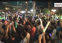 Clip hàng ngàn người xuống đường đón chào năm mới 2016