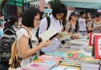 Hội sách Hà Nội, 5 ngày thu 7 tỉ đồng