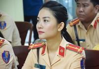Nữ CSGT xinh đẹp tham gia dẫn đoàn phục vụ APEC
