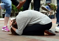 Cấm học sinh, sinh viên phát tán clip bạo lực lên mạng