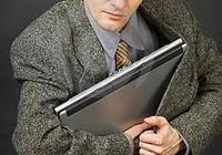 Chủ quán mất laptop, nhân viên có phải bồi thường?
