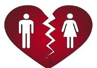Mẹ được yêu cầu tòa giải quyết ly hôn cho con?