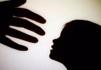 Hành hạ trẻ em, xử tội ra sao?