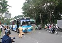 Audio: Xe buýt cán chết người, cửa ngõ Tân Sơn Nhất kẹt cứng