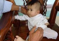 Bé bảy tháng tuổi bị bỏ rơi đã có người nhận nuôi