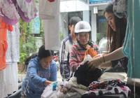 Quầy quần áo Tết miễn phí cho người nghèo