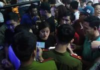 Cảnh sát đột kích vũ trường, hơn 700 khách chơi giữa đêm khuya