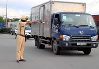 Những chiêu tài xế xe quá tải đối phó với CSGT