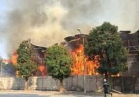 Hà Nội: Cháy khủng khiếp tại dự án bỏ hoang