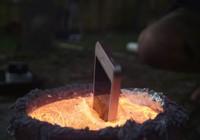Điều gì sẽ xảy ra khi nhúng iPhone vào nhôm nóng chảy